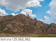 Облака над скалой. Стоковое фото, фотограф Игорь Новиков / Фотобанк Лори