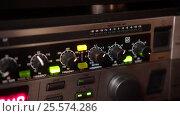 Tuning controls on a sound equipment. Handheld shot. Стоковое видео, видеограф Павел Котельников / Фотобанк Лори