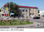Купить «Детская поликлиника в городе Калаче Воронежской области», фото № 25576602, снято 11 сентября 2014 г. (c) Free Wind / Фотобанк Лори
