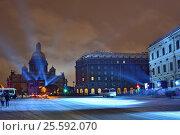 Купить «Лазерное шоу на Исаакиевском соборе в Санкт-Петербурге ночью зимой», эксклюзивное фото № 25592070, снято 3 ноября 2016 г. (c) Максим Мицун / Фотобанк Лори