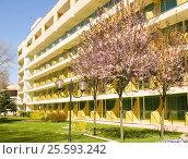 Купить «Saints Constantine and Helen resort in spring, hotel Marina», фото № 25593242, снято 10 апреля 2015 г. (c) ИВА Афонская / Фотобанк Лори