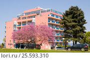 Купить «Hotel Sirius in Saints Constantine and Helena resort», фото № 25593310, снято 9 мая 2015 г. (c) ИВА Афонская / Фотобанк Лори