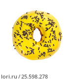 Купить «Donut with yellow glaze and chocolate sprinkles», фото № 25598278, снято 28 февраля 2020 г. (c) Наталия Пыжова / Фотобанк Лори