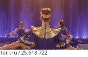 Купить «Woman performing on ice-skating show», видеоролик № 25618722, снято 21 февраля 2011 г. (c) Данил Руденко / Фотобанк Лори
