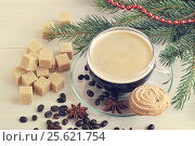 Coffee Cup with cookies on a Christmas background. Стоковое фото, фотограф Денис Иванов / Фотобанк Лори