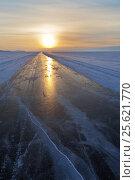 Купить «Байкал. Ледовая дорога по Малому Морю с Хобоя в Хужир на закате», фото № 25621770, снято 25 февраля 2017 г. (c) Виктория Катьянова / Фотобанк Лори
