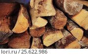 Купить «stack of firewood», видеоролик № 25622986, снято 20 февраля 2017 г. (c) Syda Productions / Фотобанк Лори