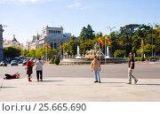 Купить «Фонтан Cibeles, Мадрид, Испания», эксклюзивное фото № 25665690, снято 5 октября 2012 г. (c) Владимир Чинин / Фотобанк Лори