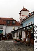 Na Kampe street Kampa island, Mala strana, Prague, Czech Republic, Europe. (2012 год). Редакционное фото, фотограф Free Wind / Фотобанк Лори
