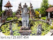 Купить «Hindu statue in Buddhist Monastery Brahma Vihara Ashrama, Wihara Buddha Banjar, Bali, Indonesia», фото № 25697454, снято 26 марта 2014 г. (c) mauritius images / Фотобанк Лори