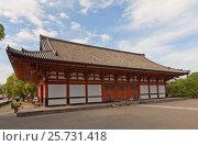 Купить «Лекционный зал (Кодо, 1491 г.) храма Тодзи в Киото, Япония. Объект ЮНЕСКО», фото № 25731418, снято 23 июля 2016 г. (c) Иван Марчук / Фотобанк Лори