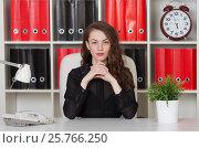 Купить «Женщина-руководитель за столом», фото № 25766250, снято 11 марта 2017 г. (c) Литвяк Игорь / Фотобанк Лори