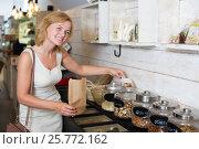 Купить «woman buying various nuts», фото № 25772162, снято 21 февраля 2020 г. (c) Яков Филимонов / Фотобанк Лори