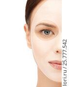 Купить «close up of woman with collagen facial mask», фото № 25777542, снято 2 апреля 2011 г. (c) Syda Productions / Фотобанк Лори