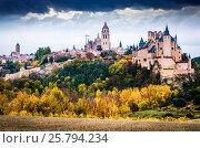 Купить «autumn view of Alcazar of Segovia», фото № 25794234, снято 16 ноября 2014 г. (c) Яков Филимонов / Фотобанк Лори