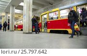 Купить «Volgograd, Russia - November 01. 2016. Tram to Komsomolskaya - station of underground high-speed», видеоролик № 25797642, снято 4 марта 2017 г. (c) Володина Ольга / Фотобанк Лори