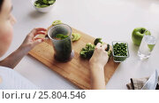 Купить «woman cooking vegetable solid baby food at home», видеоролик № 25804546, снято 22 февраля 2017 г. (c) Syda Productions / Фотобанк Лори