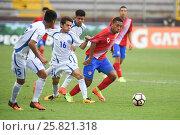 Купить «9 Andy Reyes from Costa Rica against El Salvador players. El Salvador defeated Costa Rica 0-1 in the 2017 CONCACAF Under-20 Championship at the Estadio...», фото № 25821318, снято 19 февраля 2017 г. (c) age Fotostock / Фотобанк Лори