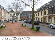 Улица Kaiserswerther Markt в Кайзерсверте (2017 год). Редакционное фото, фотограф Алексей Шматков / Фотобанк Лори