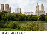 Купить «The Lake in New York Central Park summer view», фото № 25838574, снято 21 августа 2014 г. (c) Losevsky Pavel / Фотобанк Лори