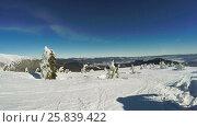 Купить «Snow-covered slope and ate», видеоролик № 25839422, снято 28 марта 2017 г. (c) Потийко Сергей / Фотобанк Лори