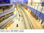 Купить «MOSCOW - DEC 05, 2014: Internal layout of the huge shopping and entertainment complex Aviapark, top view», фото № 25841222, снято 5 декабря 2014 г. (c) Losevsky Pavel / Фотобанк Лори
