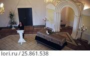 Купить «sad woman and coffin at funeral in orthodox church», видеоролик № 25861538, снято 22 марта 2017 г. (c) Syda Productions / Фотобанк Лори