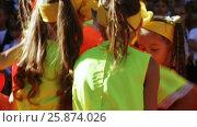 Купить «School class on line with dance», видеоролик № 25874026, снято 1 сентября 2016 г. (c) Потийко Сергей / Фотобанк Лори