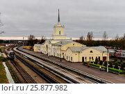 Купить «Псковская область, вокзал на железнодорожной станции Дно», фото № 25877982, снято 28 апреля 2016 г. (c) glokaya_kuzdra / Фотобанк Лори