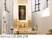 The first Divine Mercy image in the Holy Trinity Church in Vilnius, Lithuania. Стоковое фото, агентство BE&W Photo / Фотобанк Лори