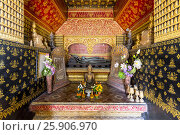 Купить «Interior of the Reclining Buddha Shrine (Red Chapel), Wat Xieng Thong, Luang Prabang, Laos, Indochina, Asia», фото № 25906970, снято 25 мая 2019 г. (c) BE&W Photo / Фотобанк Лори
