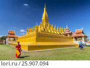 Купить «Pha That Luang, symbol of the Laos sovereignty, Buddhist religion and the city of Vientiane, Vientiane, Laos», фото № 25907094, снято 17 февраля 2020 г. (c) BE&W Photo / Фотобанк Лори