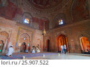 Interior of the Jama Masjid (Friday Mosque), Jami Masjid, is a 17th Century mosque in the World Heritage Site of Fatehpur Sikri in India. Стоковое фото, агентство BE&W Photo / Фотобанк Лори