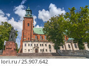 Купить «Cathedral Basilica of the Assumption of the Blessed Virgin Mary and St. Adalbert, Gniezno, Poland.», фото № 25907642, снято 19 марта 2019 г. (c) BE&W Photo / Фотобанк Лори
