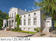 Купить «Small manor house in Podstolice, Poland», фото № 25907654, снято 22 октября 2019 г. (c) BE&W Photo / Фотобанк Лори