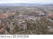 Каппадокия, Турция. Вид сверху на город Учхисар и окрестные долины, фото № 25910554, снято 6 января 2015 г. (c) Юлия Бабкина / Фотобанк Лори