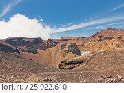 Купить «Кратер вулкана Фудзи (Фудзияма) в Японии», фото № 25922610, снято 9 августа 2016 г. (c) Иван Марчук / Фотобанк Лори