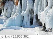 Красивая наледь на скалах и камнях на острове Ольхон, озеро Байкал в марте. Стоковое фото, фотограф Овчинникова Ирина / Фотобанк Лори