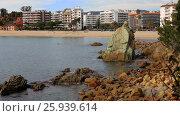 Купить «View of the coast of Lloret de Mar», видеоролик № 25939614, снято 13 марта 2017 г. (c) Яков Филимонов / Фотобанк Лори