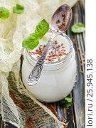 Купить «Jar with yoghurt and flaxseed to cleanse the body», фото № 25945138, снято 15 марта 2017 г. (c) Марина Сапрунова / Фотобанк Лори