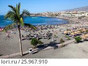 Купить «Вид на пляж Плая Фанабе (Playa Fanabe) и Атлантический океан. Город Costa Adeje, Тенерифе, Канарские острова, Испания», фото № 25967910, снято 31 декабря 2015 г. (c) Кекяляйнен Андрей / Фотобанк Лори