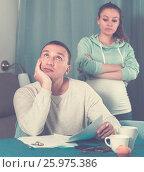 Купить «Couple struggling to pay bills», фото № 25975386, снято 18 марта 2017 г. (c) Яков Филимонов / Фотобанк Лори