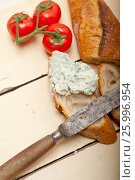Купить «fresh blue cheese spread ove french baguette», фото № 25996954, снято 14 апреля 2017 г. (c) Francesco Perre / Фотобанк Лори
