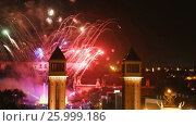 Купить «General view of the Spanish square in Barcelona at night during New Year celebrations», видеоролик № 25999186, снято 9 января 2017 г. (c) Яков Филимонов / Фотобанк Лори