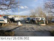 Территория лодочной станции на Белоярском водохранилище (2015 год). Редакционное фото, фотограф Светлана Попова / Фотобанк Лори