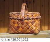 Плетеная корзинка из бересты. Стоковое фото, фотограф Татьяна Матвейчук / Фотобанк Лори