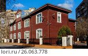 Купить «Москва, 4-й Ростовский переулок, дом 6», фото № 26063778, снято 17 апреля 2017 г. (c) glokaya_kuzdra / Фотобанк Лори