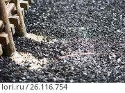 Купить «Industrial tinning of wire. Bath with molten solder», фото № 26116754, снято 3 апреля 2017 г. (c) Андрей Радченко / Фотобанк Лори
