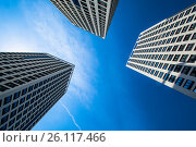 Фасады новых жилых многоэтажных домов на фоне неба. Стоковое фото, фотограф Сергеев Валерий / Фотобанк Лори
