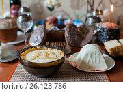 Купить «Праздничный стол с праздником святой пасхи», эксклюзивное фото № 26123786, снято 16 апреля 2017 г. (c) Игорь Низов / Фотобанк Лори